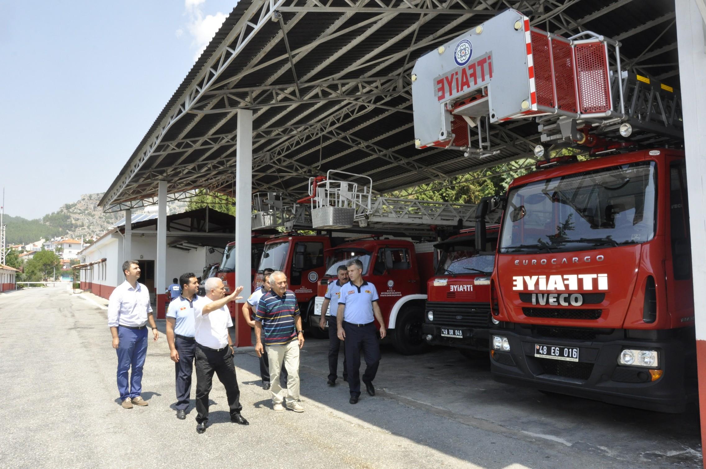 İzmir İtfaiyesi kadınlara emanet